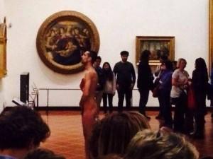 Uomo entra agli Uffizi e si spoglia davanti la Venere di Botticelli. Arrestato