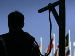 Iran, uccisero un procuratore: impiccati tre uomini