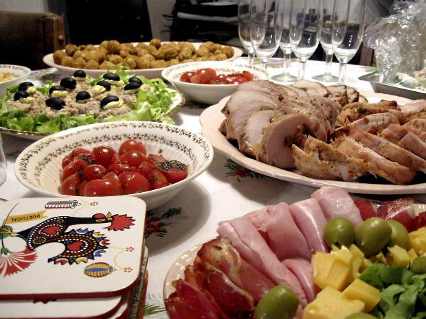 Pasqua pranzo in casa per il 79 la pastiera batte la - Tavole da pranzo ...