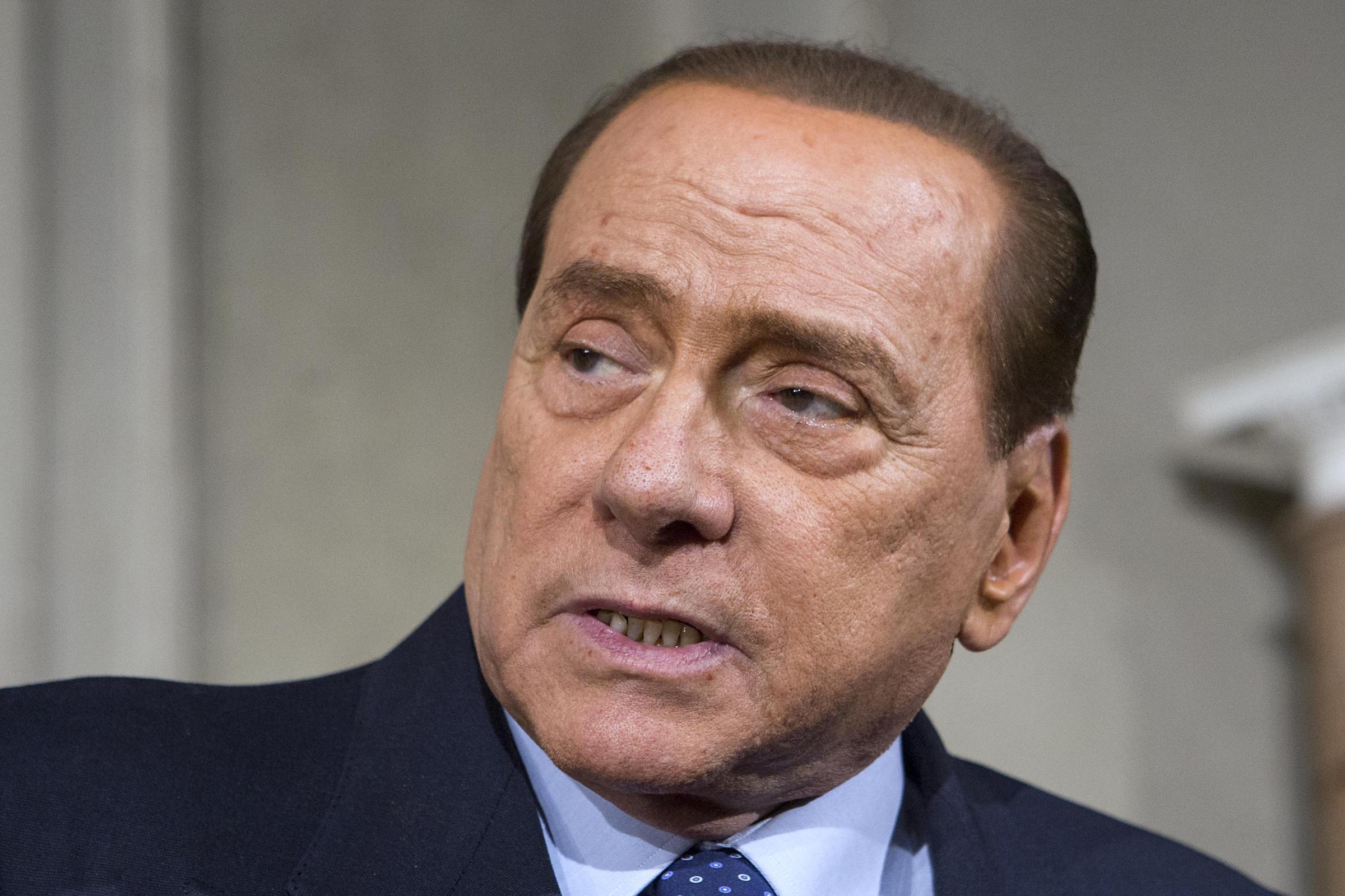 Berlusconi sconter la pena assistendo anziani disabili for Struttura politica italiana