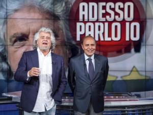 """Grillo a Porta a Porta lancia la volata del M5S: """"Renzi è già finito, vinceremo le Europee"""""""