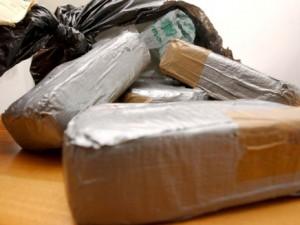 """Torino, finisce in carcere la """"nonna pusher"""": trasportava 20 chili di eroina in auto"""