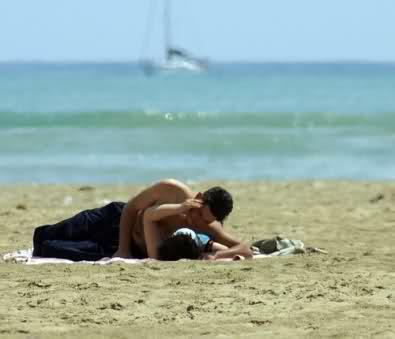 Gallipoli il video del sesso orale in spiaggia cittadini - Come fare eccitare di piu un uomo a letto ...