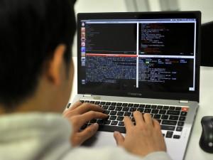 Il Comune di Napoli abbandona Linux e torna a Microsoft
