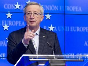 """Migranti, Juncker rende omaggio all'Italia: """"Ha salvato l'onore dell'Europa"""""""