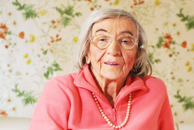 """La donna che assaggiava i cibi di Hitler: """"Non mangiava mai carne"""""""