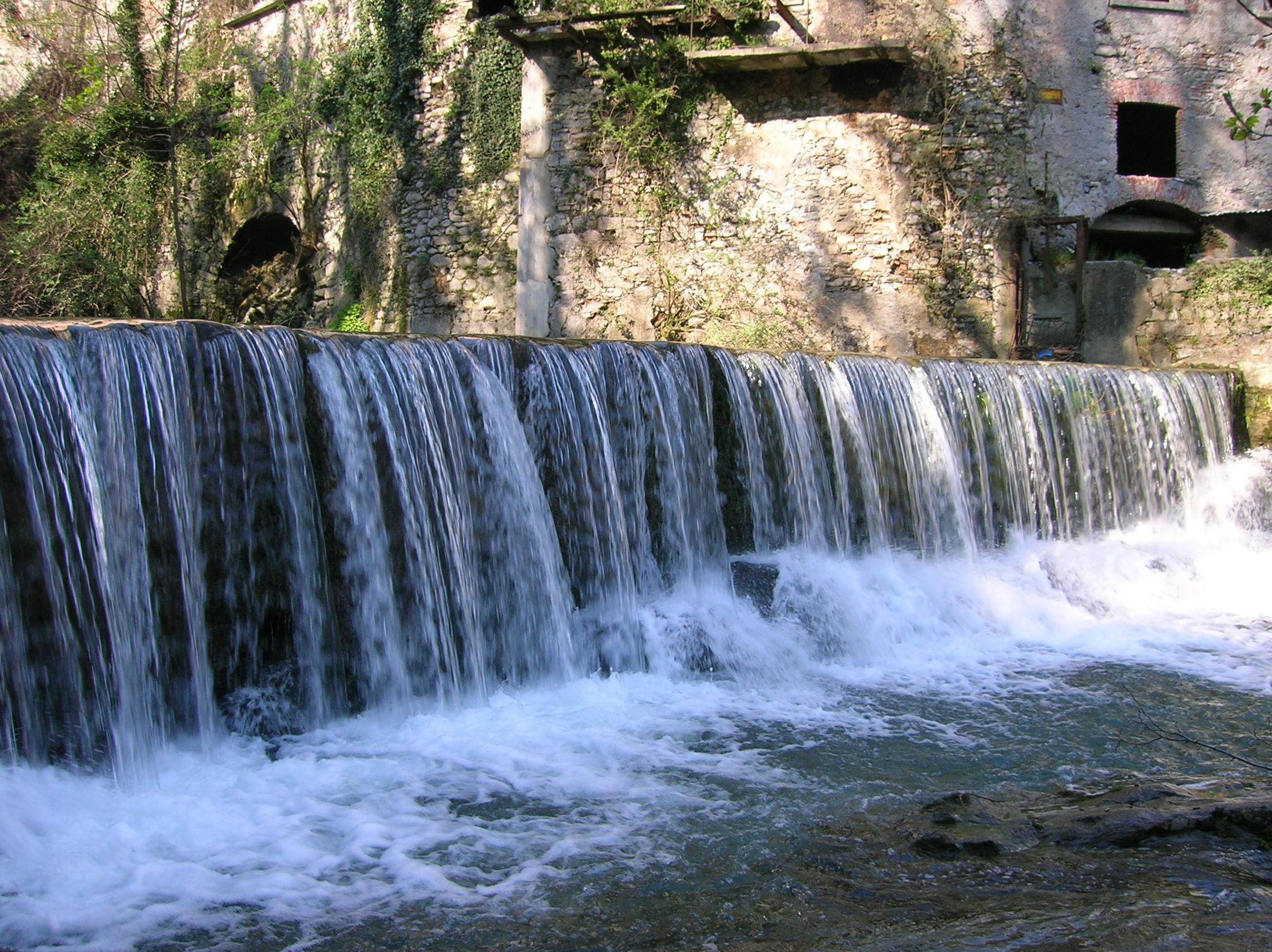 Multa alla cascata dell 39 orrido di lecco fa troppo rumore - Cascate in italia dove fare il bagno ...