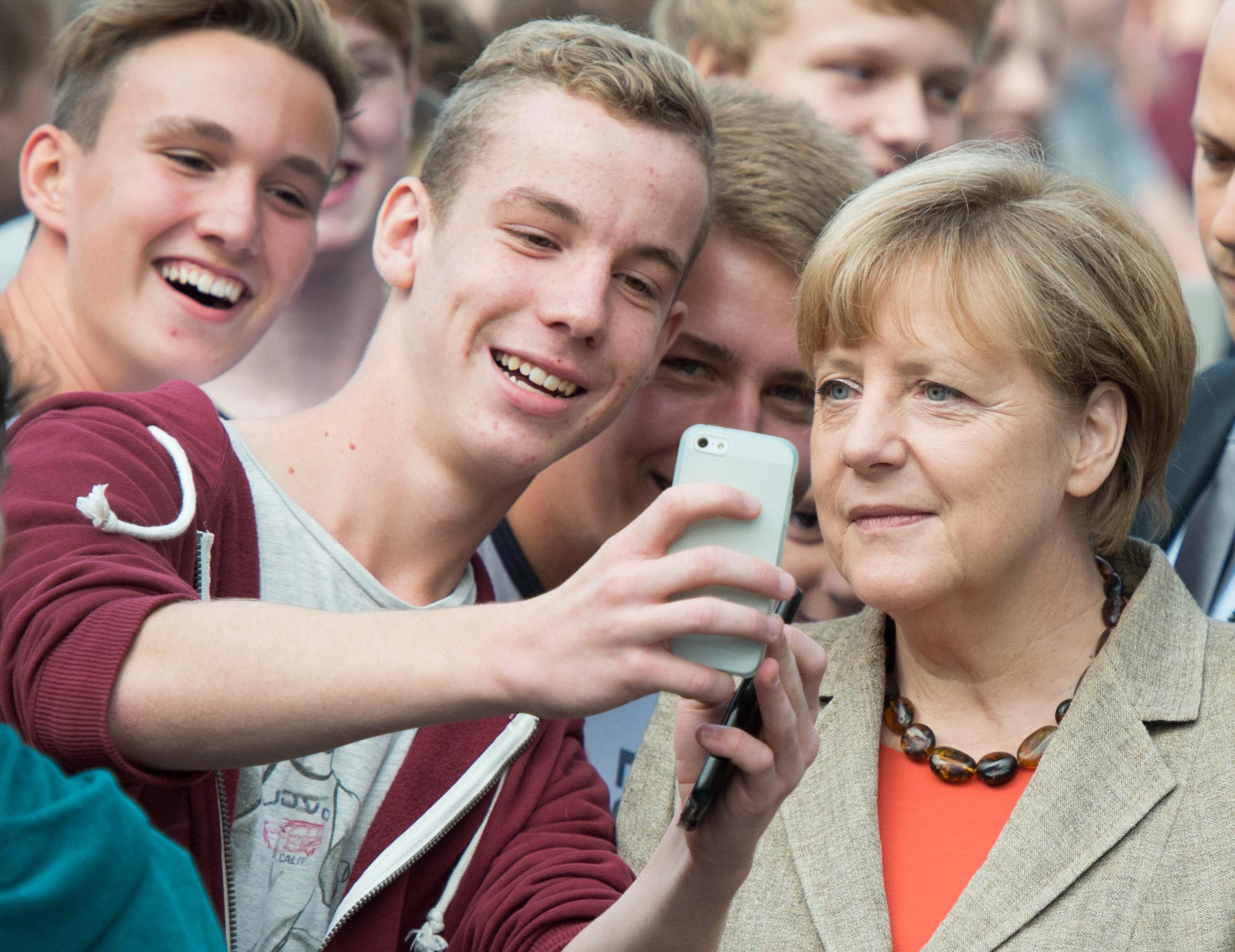 "Da ""selfie"" a ""svapare"", i 5 neologismi dello Zingarelli 2015"