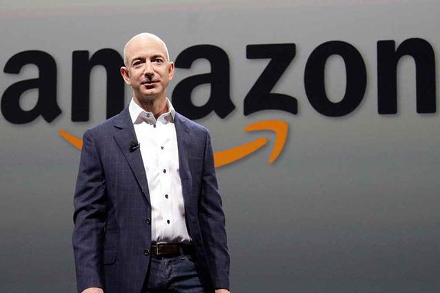 """""""La regola delle due pizze"""": così il CEO di Amazon Jeff Bezos non spreca tempo in riunione"""