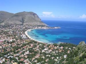 Il magnifico mare di Mondello a Palermo