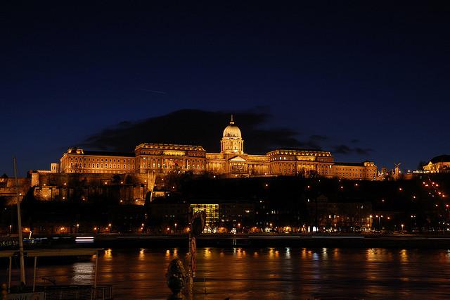 castelli buda by night