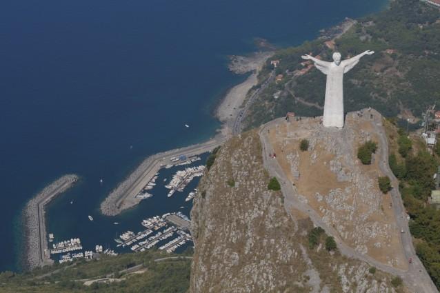 Le pi belle statue del cristo for Statua piu alta del mondo