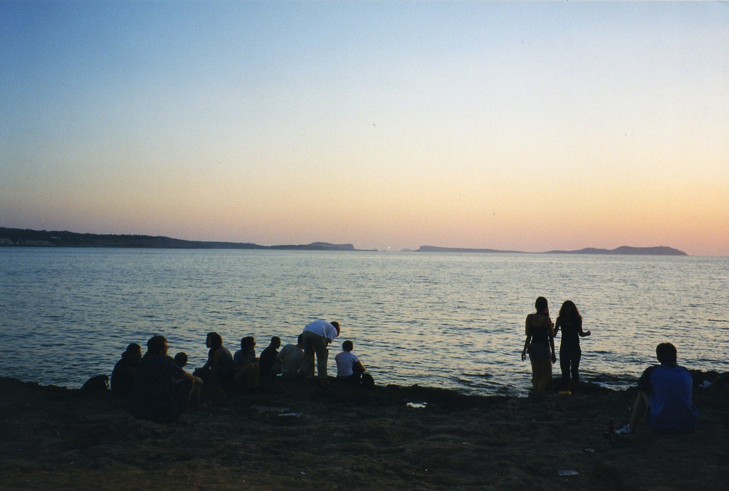 Quanto costa una vacanza a ibiza il divertimento si paga caro for Quanto costa una successione