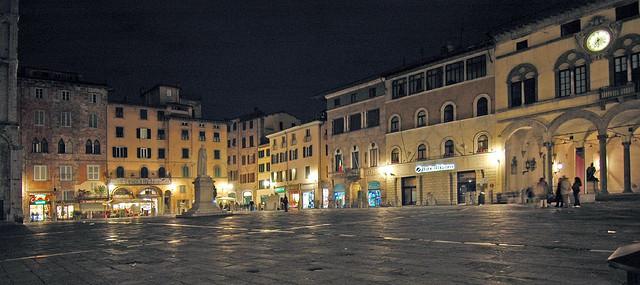 Piazza sa michele Lucca