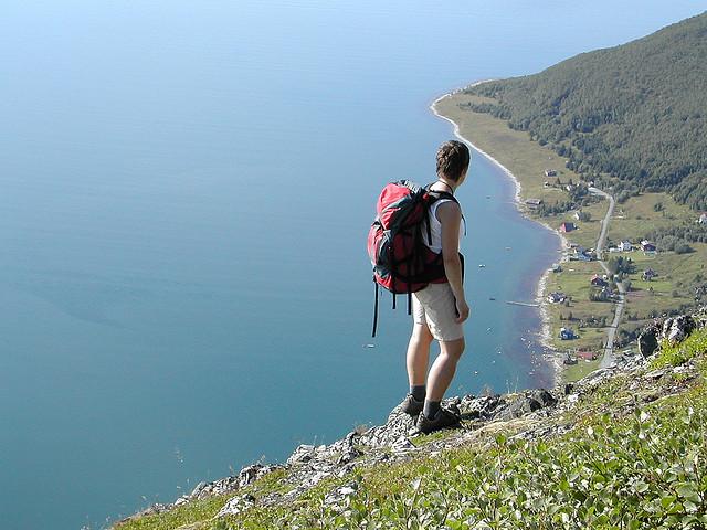 Hiking solitario