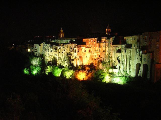 Sant'Agata de' Goti di notte