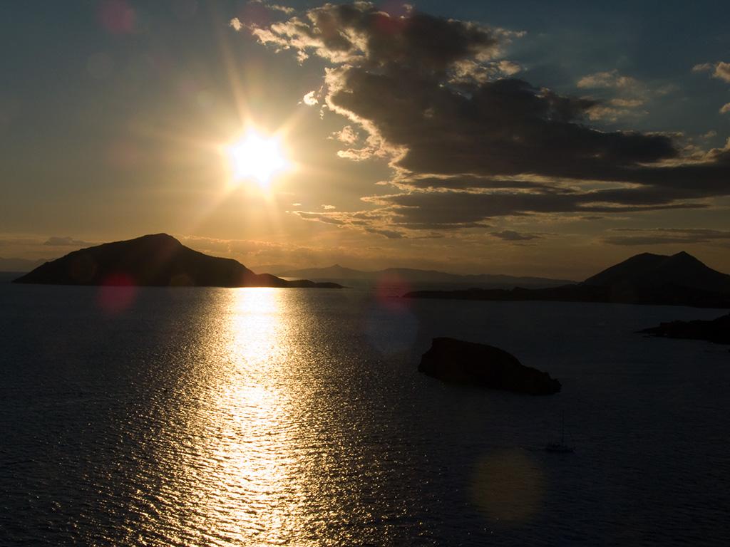 Spiagge di atene le pi belle della capitale for Foto di zig e sharko