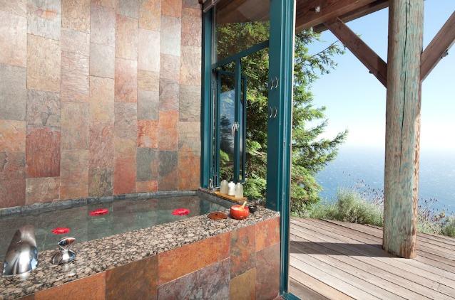 Piccola Vasca Da Bagno Che Si Sta Seduti : 13 incredibili bagni dalbergo super lussuosi foto