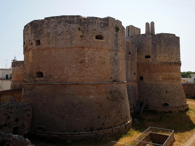Castello aragonese – Foto di pollobarca2