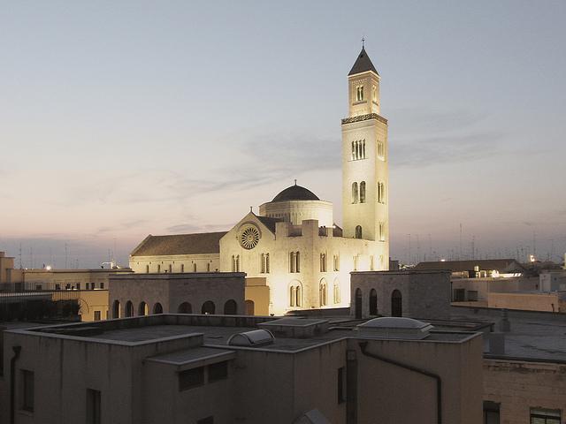 Veduta di Bari Vecchia con San Sabino (Foto di Corrado dell'Olio)