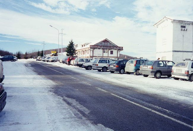 Una vecchia immagine di Alberola quando era ancora una frequentata località sciistica