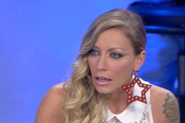 Jessica Cirasola decide di render pan per focaccia alla nemica Karina Cascella