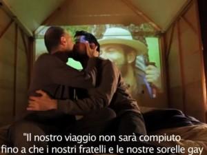 bacio_gay_sanremo_2013
