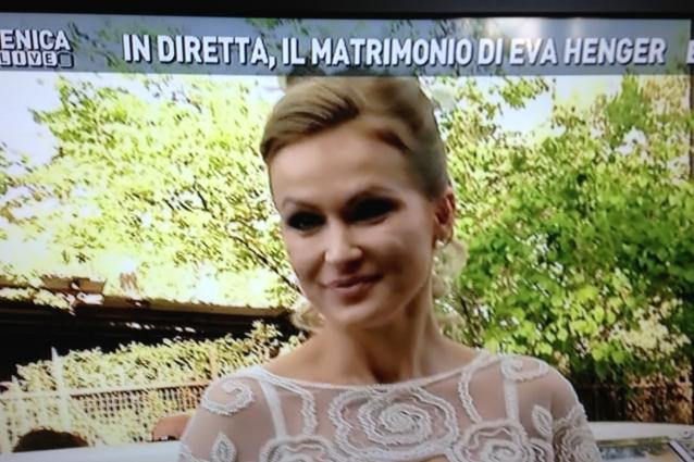 Matrimonio In Diretta : Il matrimonio di eva henger in diretta a domenica live