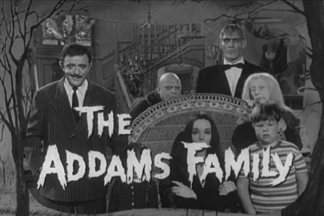 La Famiglia Addams compie 50 anni, nel 1964 la prima volta in tv