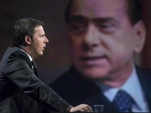 """Renzi: """"Spero che Berlusconi sia candidabile per sfidarlo nel collegio di Milano"""""""