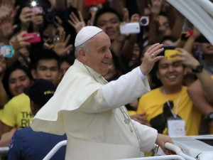 Papa francesco siamo troppo maschilisti diamo pi spazio - Siamo troppo diversi ...