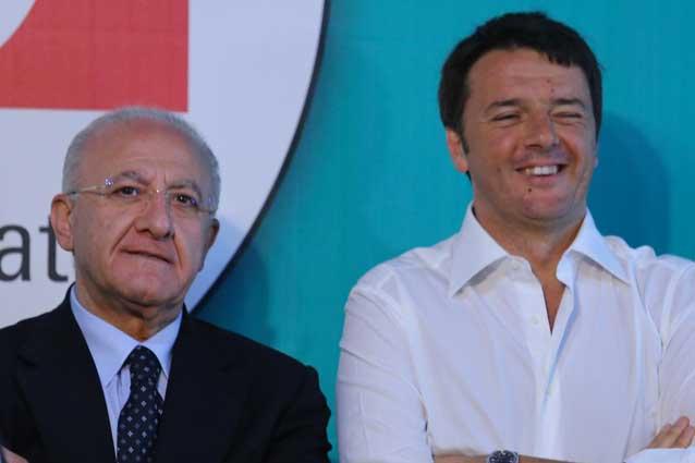 """Renzi furioso con De Luca: """"Non me lo fate più vedere"""""""