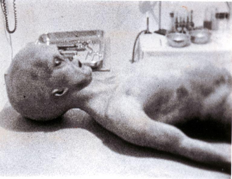"""Incidente di Roswell, gli ufologi: """"Presto diffonderemo nuove foto degli alieni"""""""