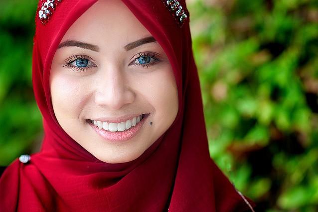 Femministe smettetela di occuparvi del velo delle musulmane - Perche le donne musulmane portano il velo ...