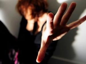 Quando lo stupro è commesso da italiani, la colpa è delle donne