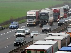 Incidente su A1 tra Attigliano e Orvieto: allarme per una sostanza tossica
