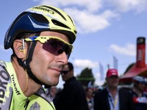 Dramma al Tour de France, Ivan Basso si ritira per un tumore al testicolo