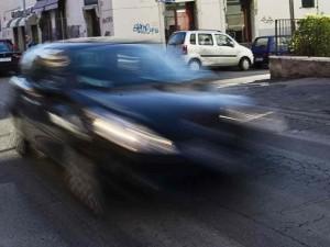 Taranto, morto il 60enne investito da un'auto pirata. Caccia al responsabile