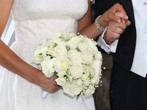 Matrimonio da incubo: la sposa mangia un piatto a base di pesce e va in choc anafilattico
