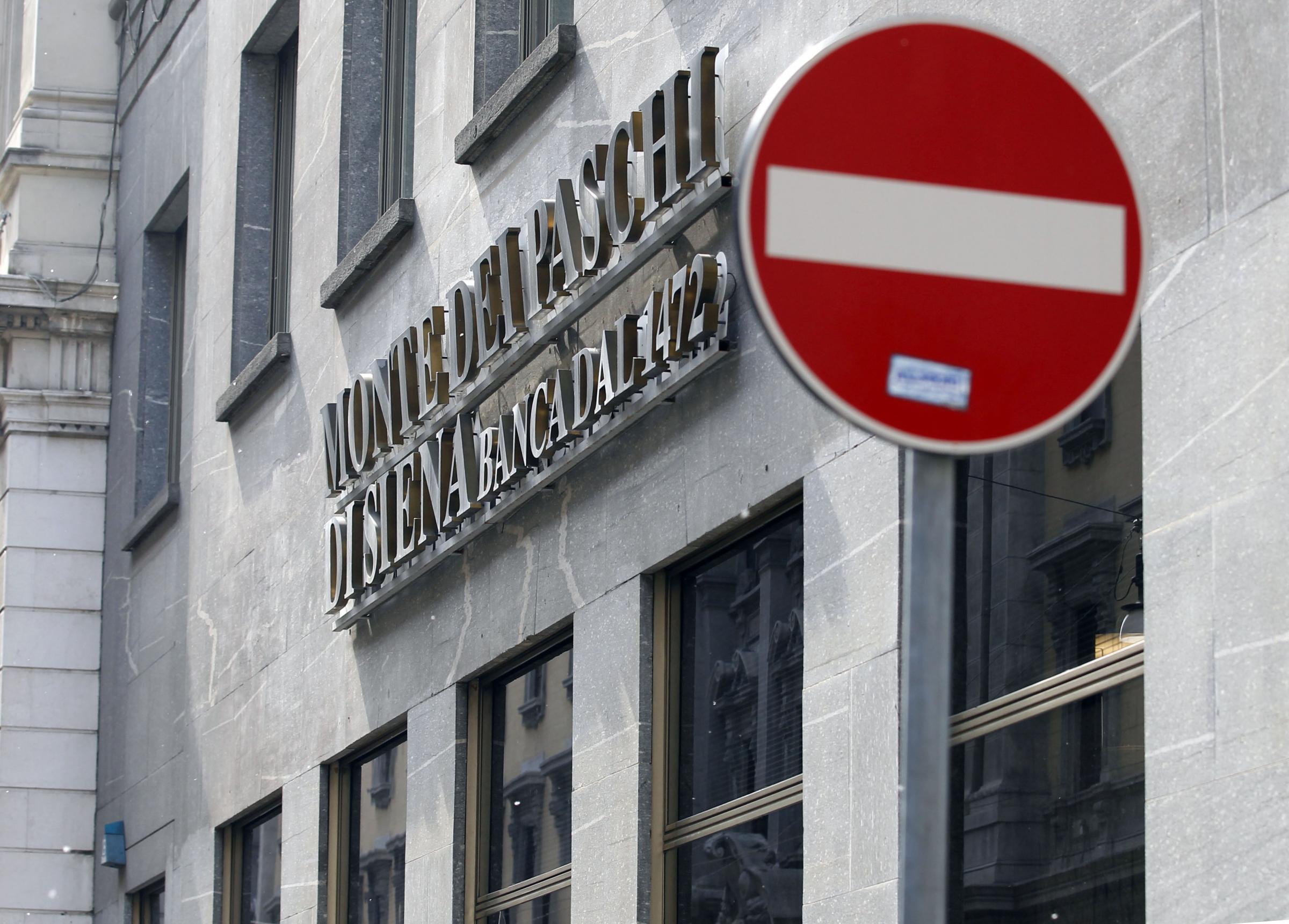 be5874a084 Banche italiane a picco in borsa: che succede e chi rischia di più