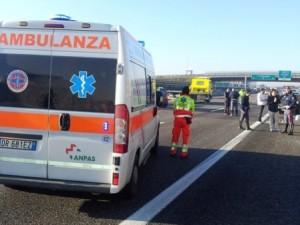 Grave incidente in A4: scontro tra tir, uno perde 500 litri