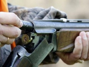 Convinto che sia un cervo |  cacciatore spara e uccide il figlio di 18 anni