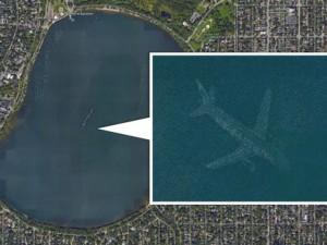 Mistero negli USA: Google Earth rivela aereo sul fondo di un lago?