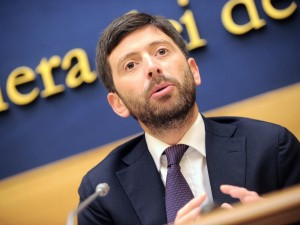 """Mdp vuole un dialogo con Renzi, Speranza: """"Lo sfido, abbandoni fiducia a legge elettorale"""""""