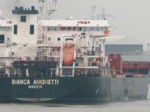 Venezia, giallo sulla petroliera: trovato sgozzato un marinaio nella stiva