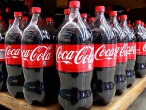 Coca Cola, stop alla produzione in Venezuela: manca lo zucchero