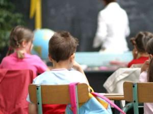 Vicenza, maestra invita gli alunni a sputare contro il compa