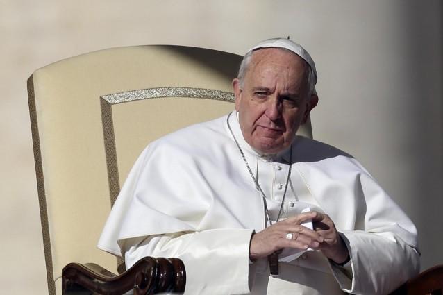 """Il Papa rinvia l'udienza generale: """"Uniti nella preghiera"""""""