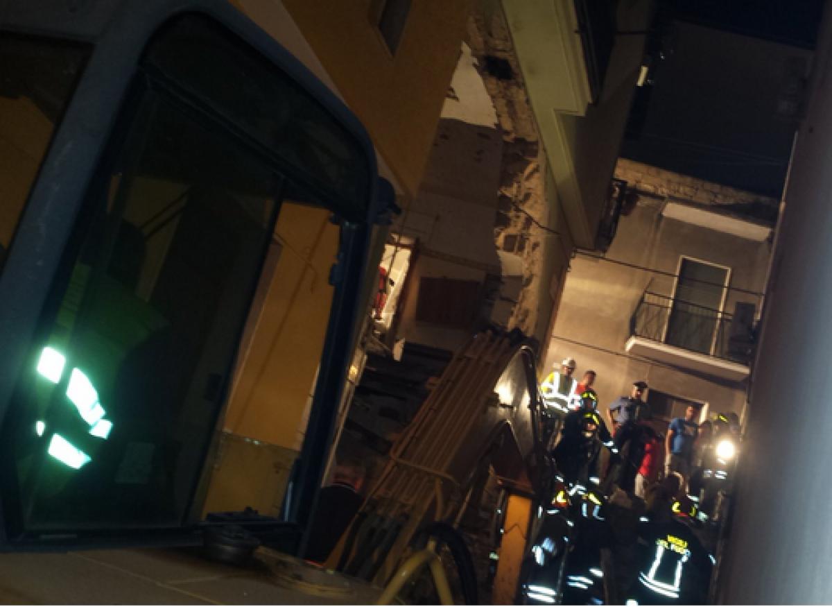 Esplosione per una fuga di gas nel Potentino: crolla un ...