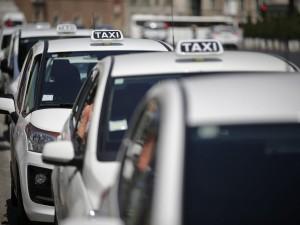 Foto Vincenzo Livieri - LaPresse  09-06-2015 - Roma - Italia  Cronaca Sit-in dei tassisti contro il fenomeno dei risciò Photo Vincenzo Livieri - LaPresse  08-06-2015 - Rome -  Italy  News Taxi drivers sit-in